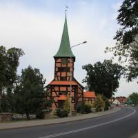 Zabytkowy kościół w Stegnie